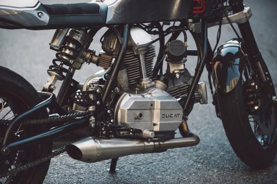 """""""Hắc Mã"""" Ducati 860 Café Racer hí vang sau giấc ngủ dài-ảnh4"""