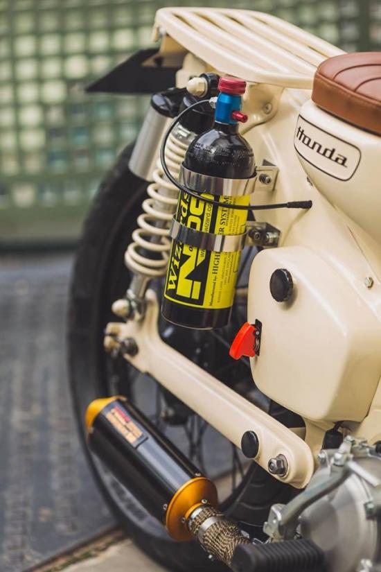 Honda Cub độ máy NOS siêu khủng anh-8