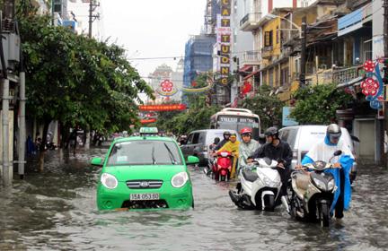lái xe trời mưa 3