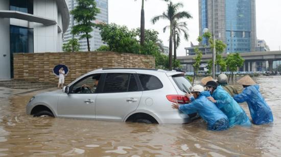ô tô ngập nước 1