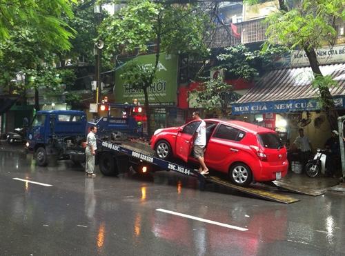 ô tô ngập nước  2