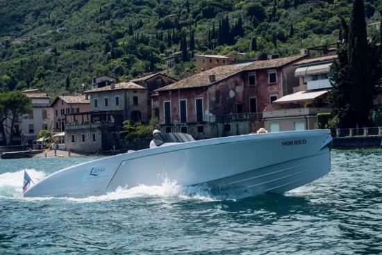 1017 Boat Limousine 2