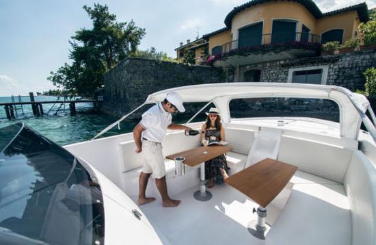 1017 Boat Limousine 5