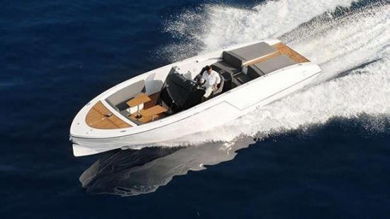 1017 Boat Limousine 6