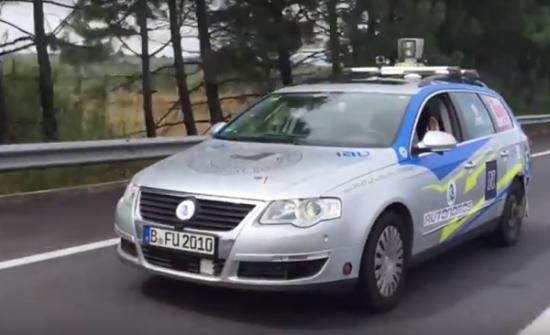 xe tự lái Volkswagen Passat Variant 2010
