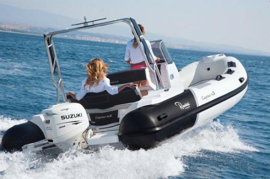 Du thuyền Cayman 19 Sport 5