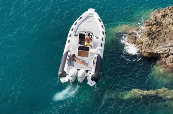 Du thuyền Cayman 31 Sport Touring 3