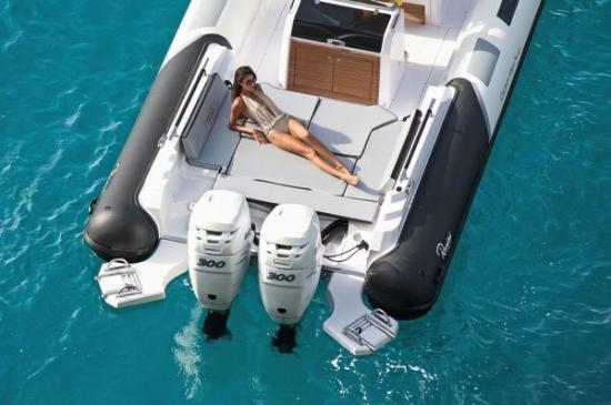 Du thuyền Cayman 31 Sport Touring 4