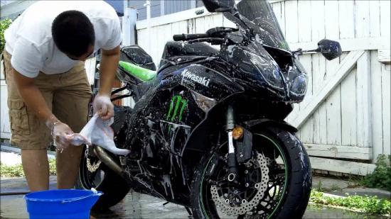 chăm sóc sơn xe máy