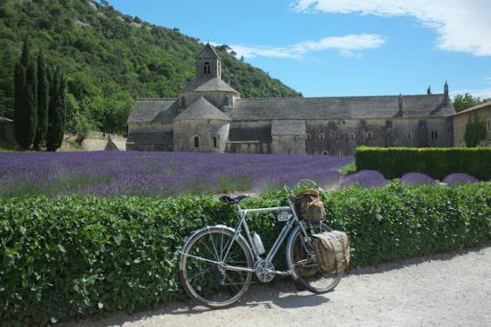 Cuộc sống bình yên qua con mắt người mê… xe đạp 2