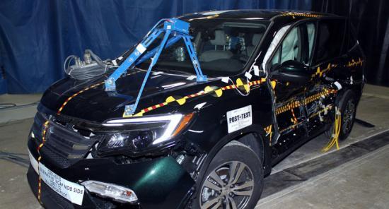 Xe Honda Pilot 2016 đạt chuẩn an toàn 5 sao
