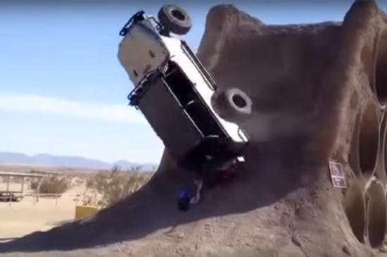 xe Jeep leo núi