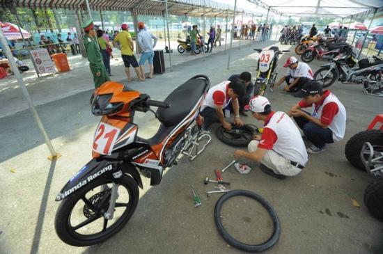 Giải đua xe máy Bình Dương2