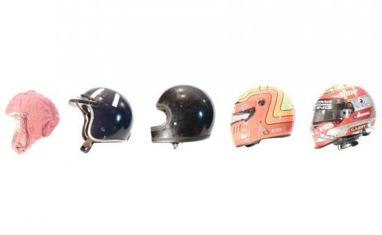 Mũ bảo hiểm đua xe
