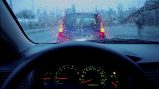 Chăm sóc ô tô trời mưa 2