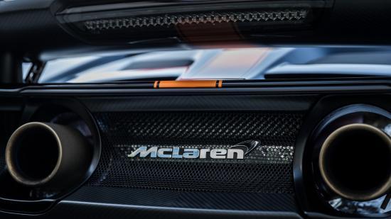 Siêu xe McLaren diễu hành chào năm mới 8