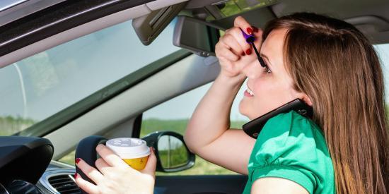 Kinh nghiệm lái ô tô cho phụ nữ 1