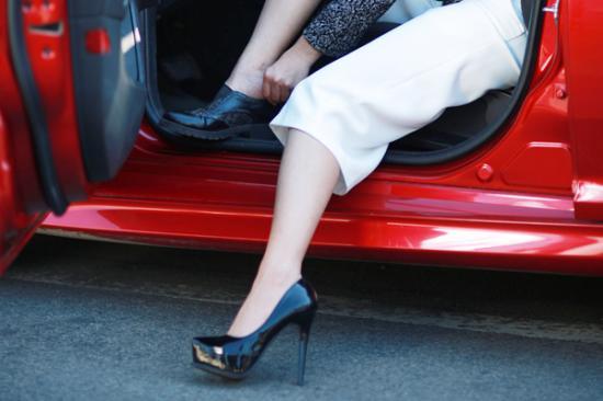 Kinh nghiệm lái ô tô cho phụ nữ