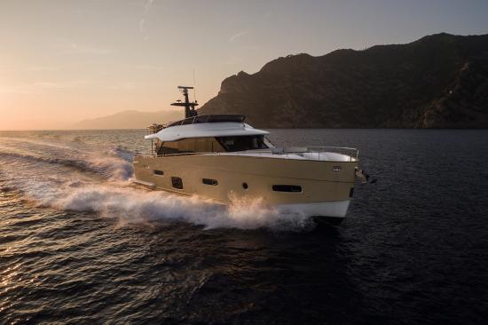 Du thuyền Azimut Magellano 66 4