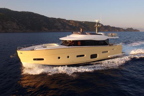 Du thuyền Azimut Magellano 66