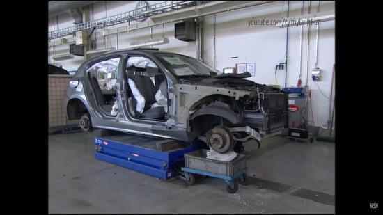 Tái chế xe sang BMW 2