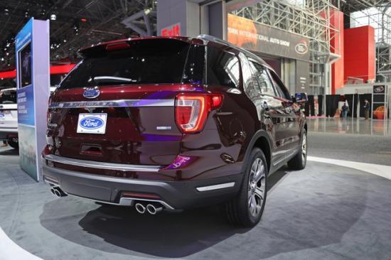 Xe Ford Explorer 2018 1