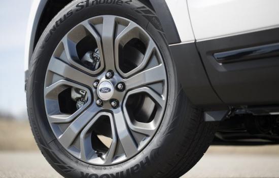 Xe Ford Explorer 2018 4