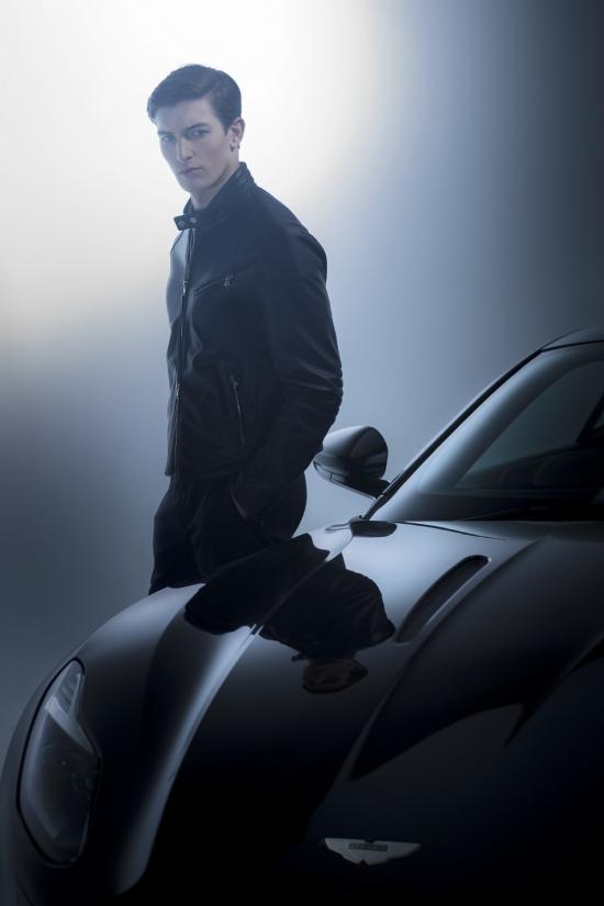 Bộ sưu tập Aston Martin by Hackett 2
