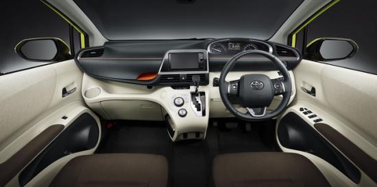 Toyota Sienta10