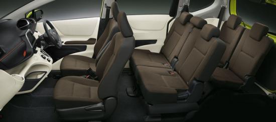 Toyota Sienta12