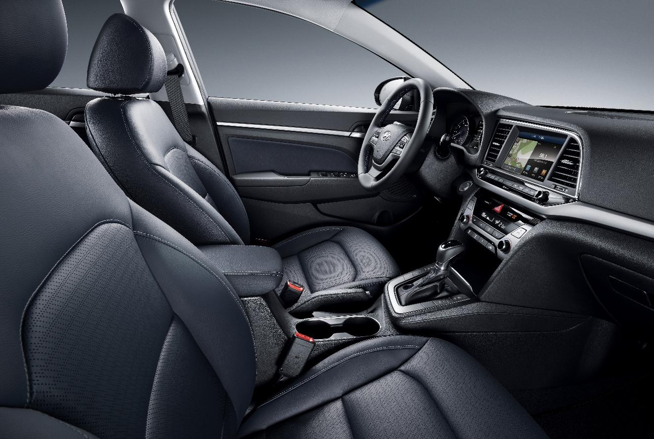 Hyundai Elantra7