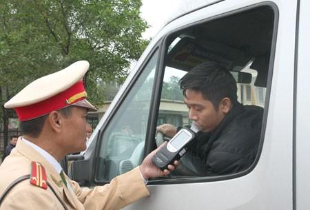 tăng nặng mức xử phạt vi phạm giao thông2
