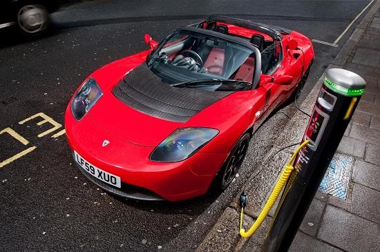 Ô tô điện siêu tốc 12