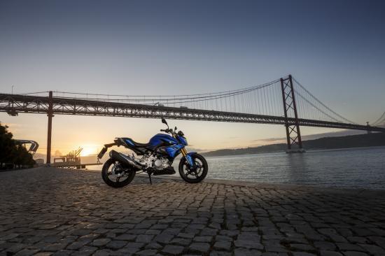 Naked bike giá rẻ BMW G310R 12