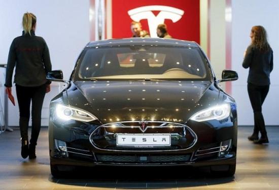 Tesla Model S bị triệu hồi
