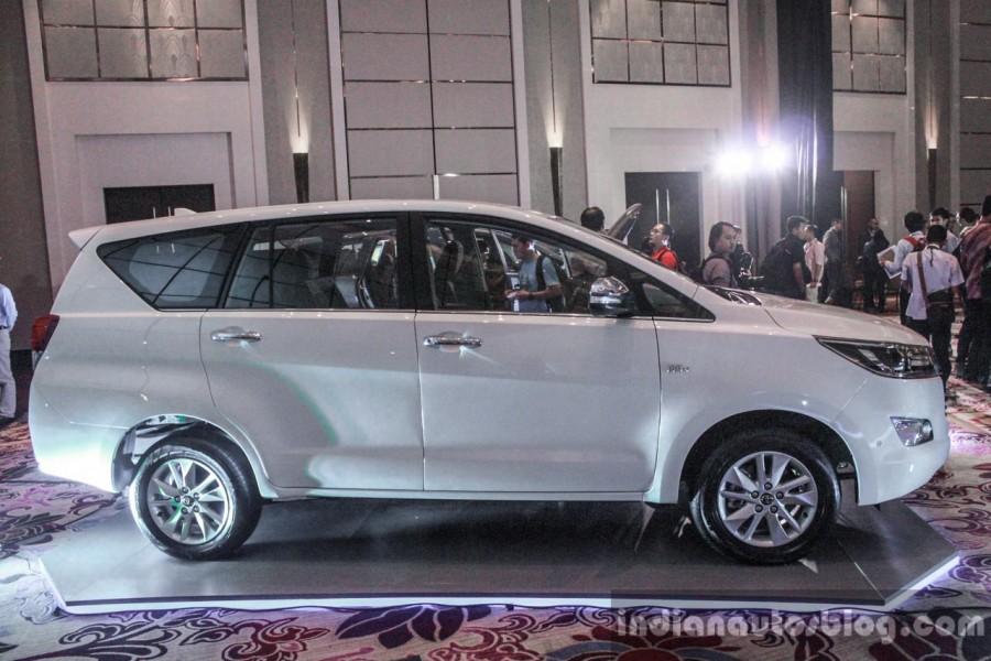 Toyota Innova 2016 đắt khách 4