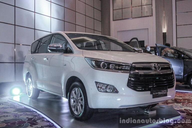 Toyota Innova 2016 đắt khách