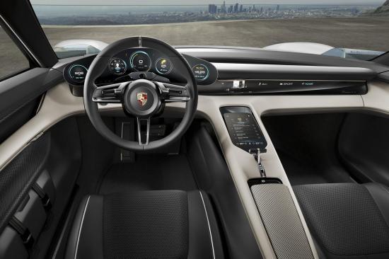 Xe điện Porsche Mission E 12
