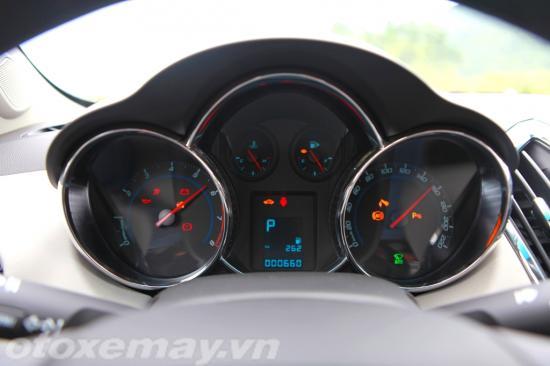 Chevrolet Cruze 2015 giá rẻ chất lượng cạnh tranh 8