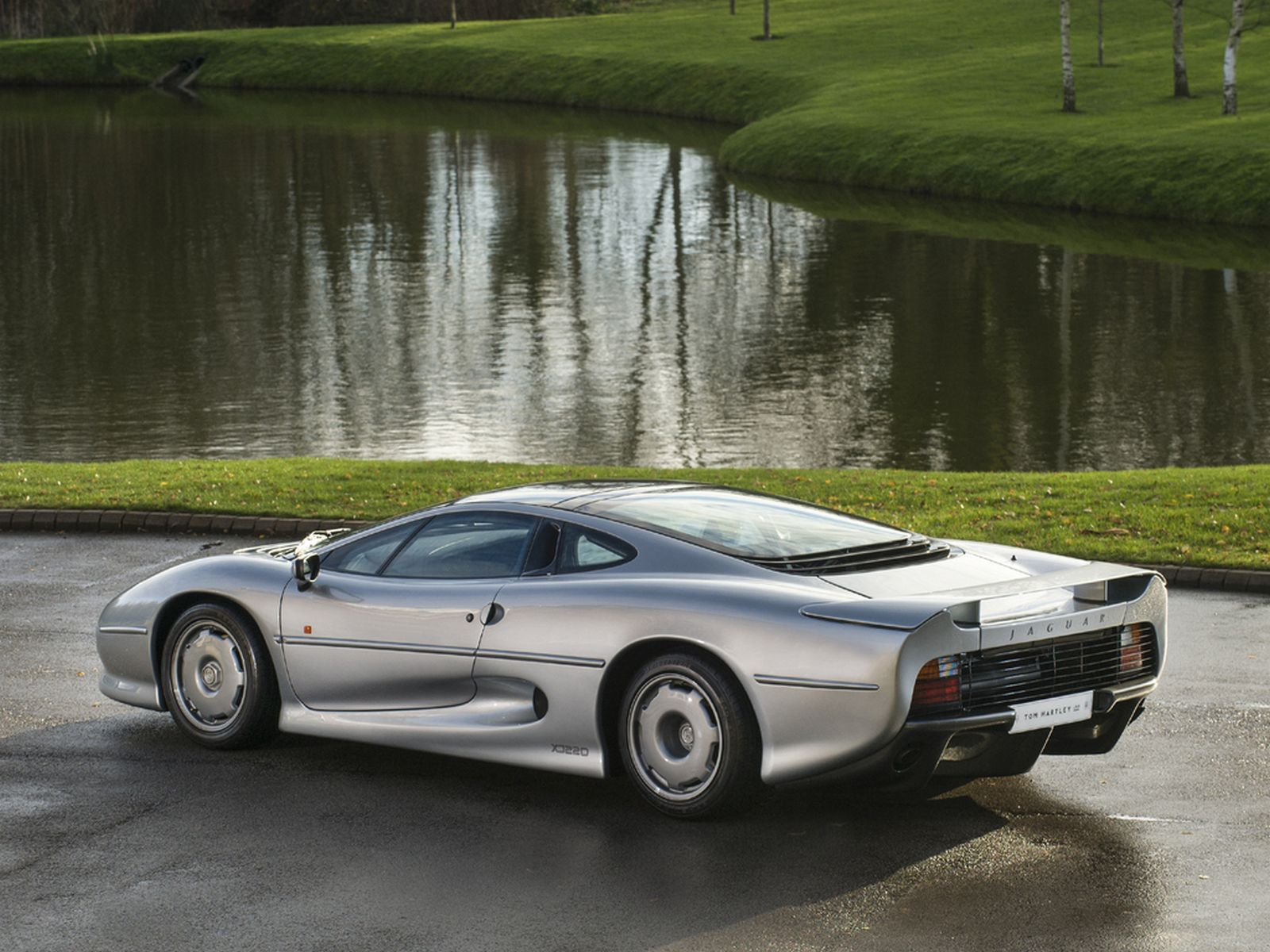 Xe cổ Jaguar XJ220 a2