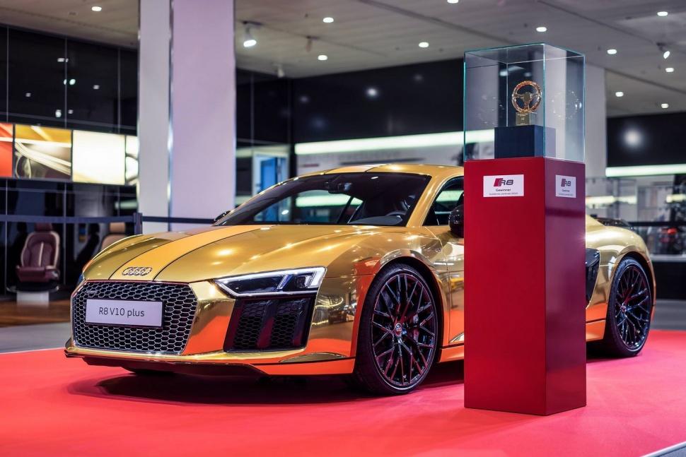Xe Audi bọc vàng nguyên chất 2