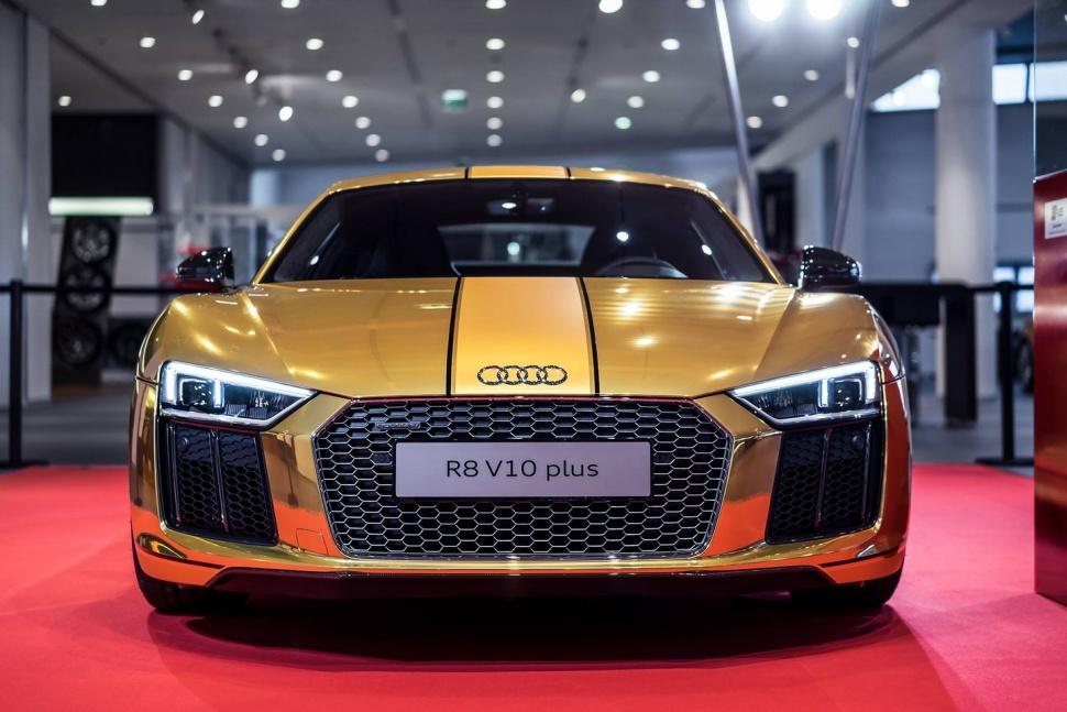 Xe Audi bọc vàng nguyên chất 4