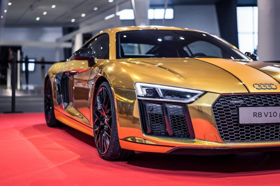 Xe Audi bọc vàng nguyên chất 6