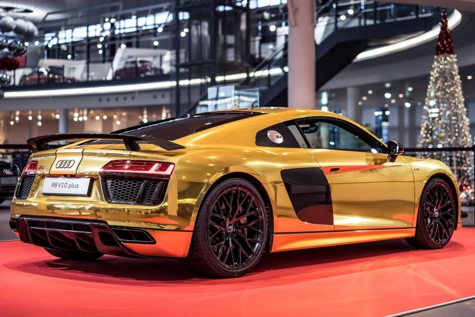 Xe Audi bọc vàng nguyên chất 8