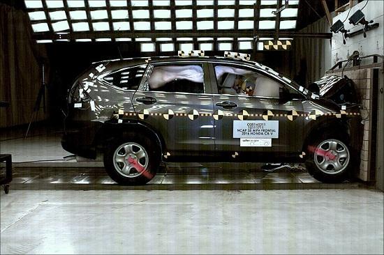 Honda CR-V 2016 đạt an toàn 5 sao