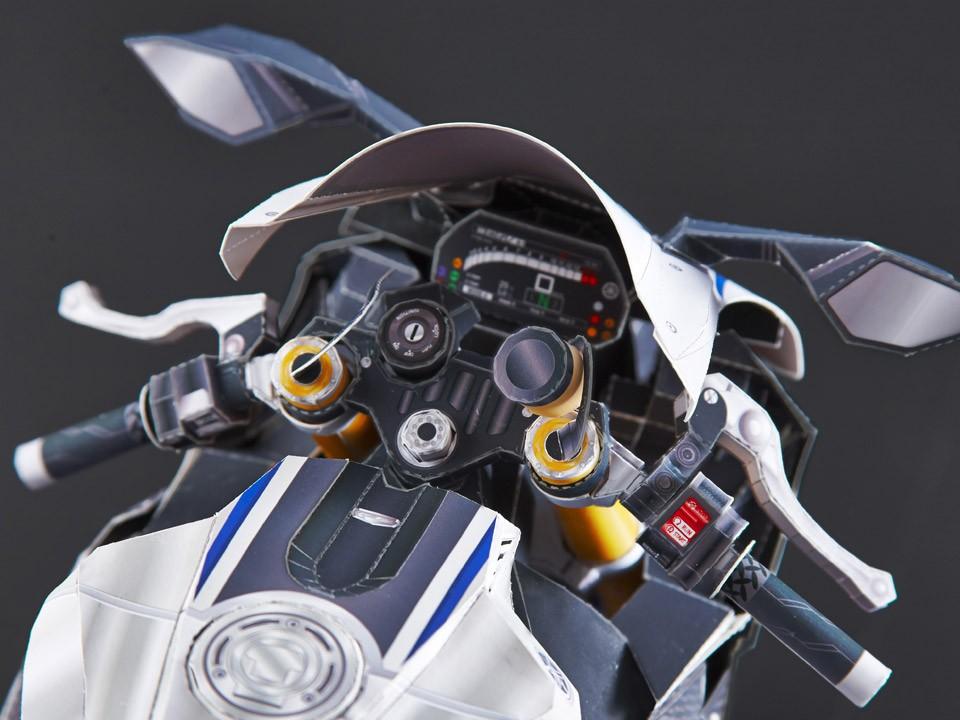 Yamaha YZF-R1M bằng giấy 8