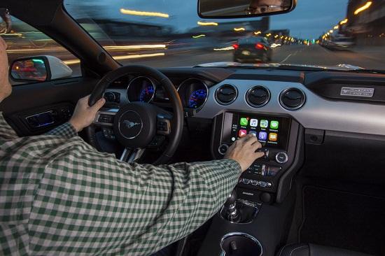 Ford bắt tay với CarPlay và Android Auto