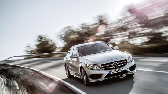 Mercedes triệu hồi xe C-Class