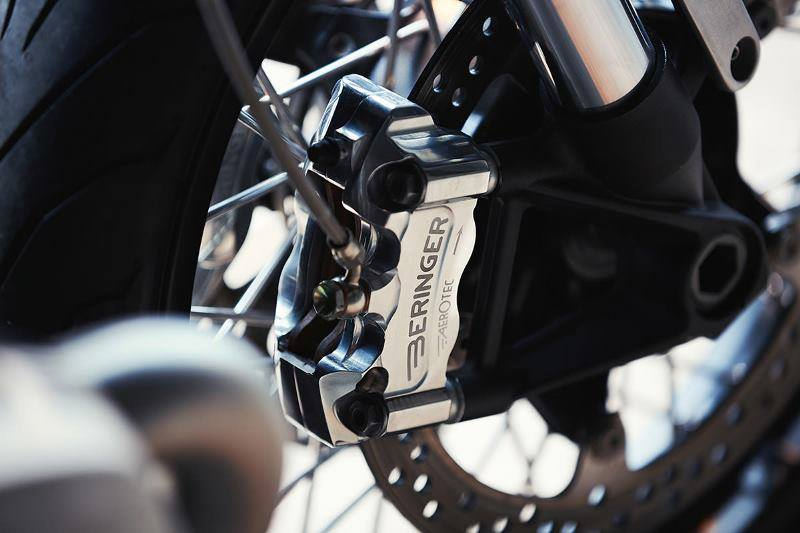 Xe độ BMW RniteT 4