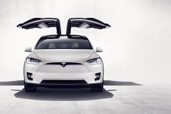 Tesla Model X bị triệu hồi
